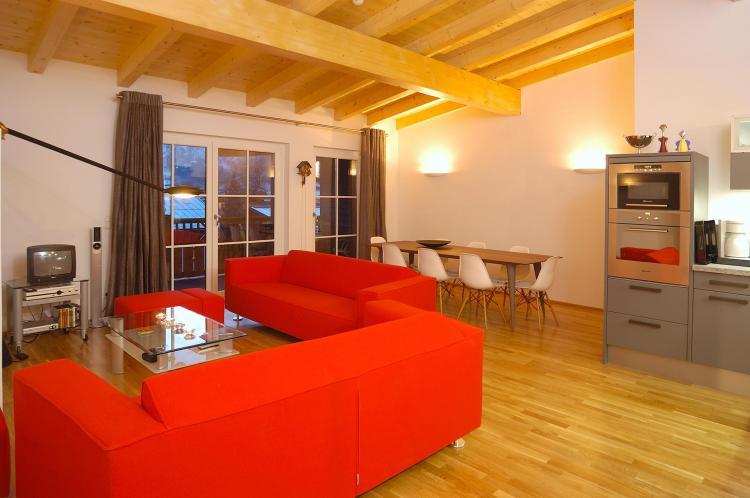 Der Auhof - Wohnen im Urlaub - Appartement Wohnzimmer